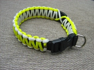 make a paracord dog collar