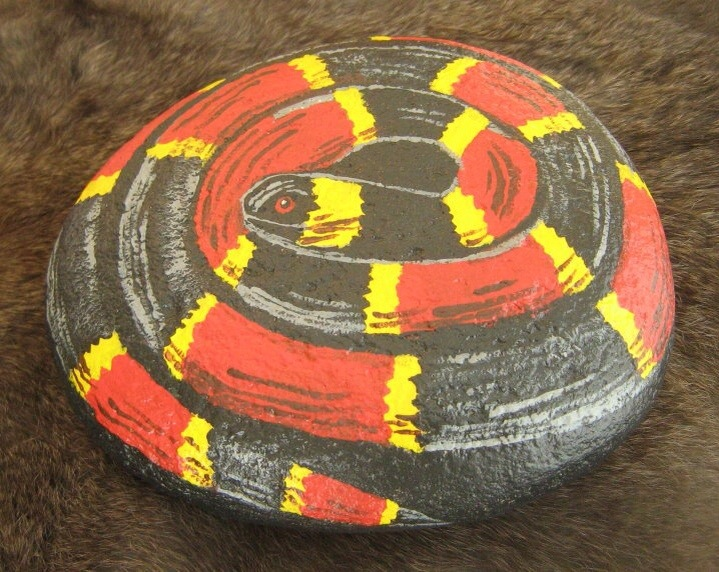 How to paint a river rock for River rock craft ideas