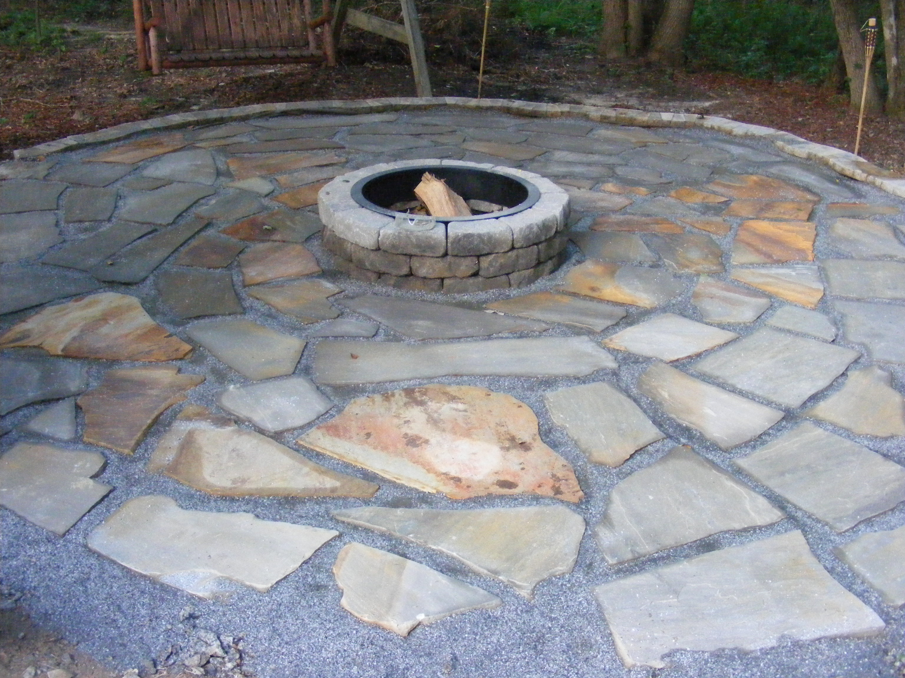 Make a flagstone patio solutioingenieria