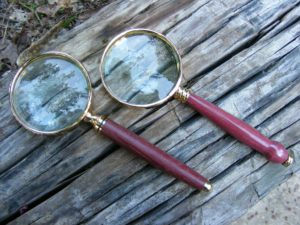 make a magnifying glass